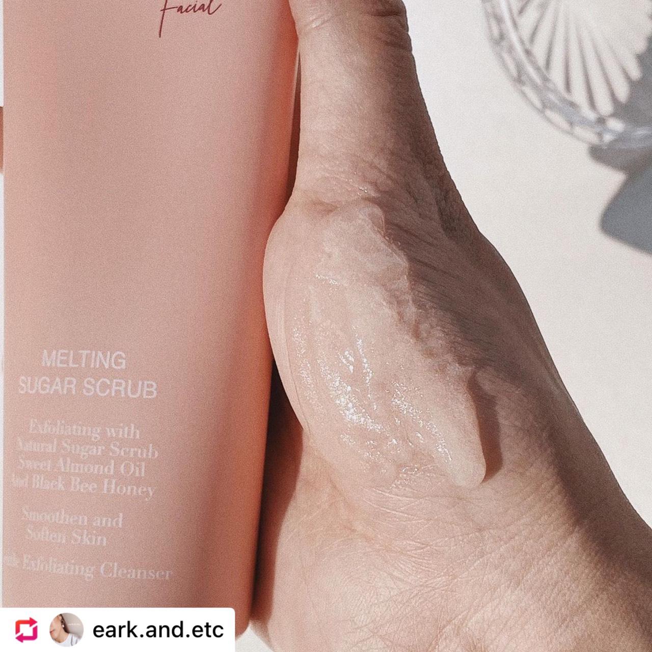 [ชิ้นที่สองราคา 1 บาท] Oab's Melting Sugar Scrub  100g โอป เมลติ้ง ชูก้า สครับ แถมขนาดทดลอง Oil Infused Water 2ซอง , Melt-On Skin Serum2ซอง (ราคาสำหรับ 2 ชิ้น)